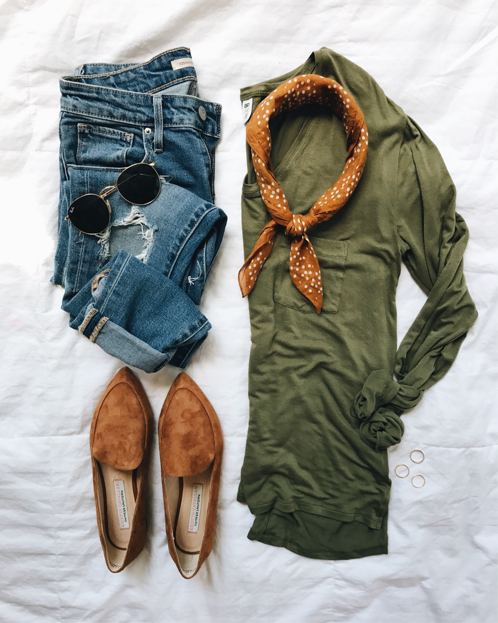 livvyland-blog-olivia-watson-fall-outfit-olive-green-long-sleeve-tee-neck-scarf-neckerchief-madewell