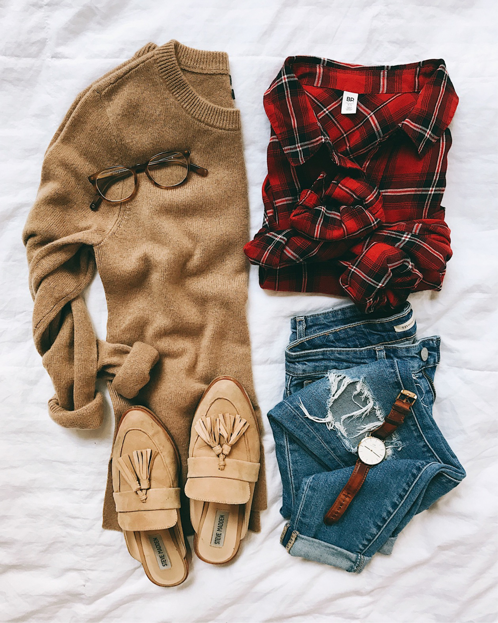 livvyland-blog-olivia-watson-fall-outfit-tan-camel-sweater-layered-plaid-button-up-tassel-loafer-slides