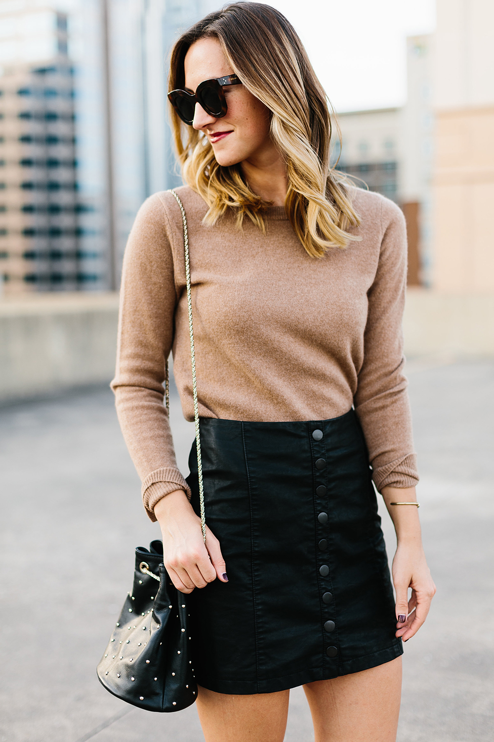 livvyland-blog-olivia-watson-free-people-vegan-leather-mini-skirt-cashmere-tan-sweater-sezane-studded-bucket-bag-10