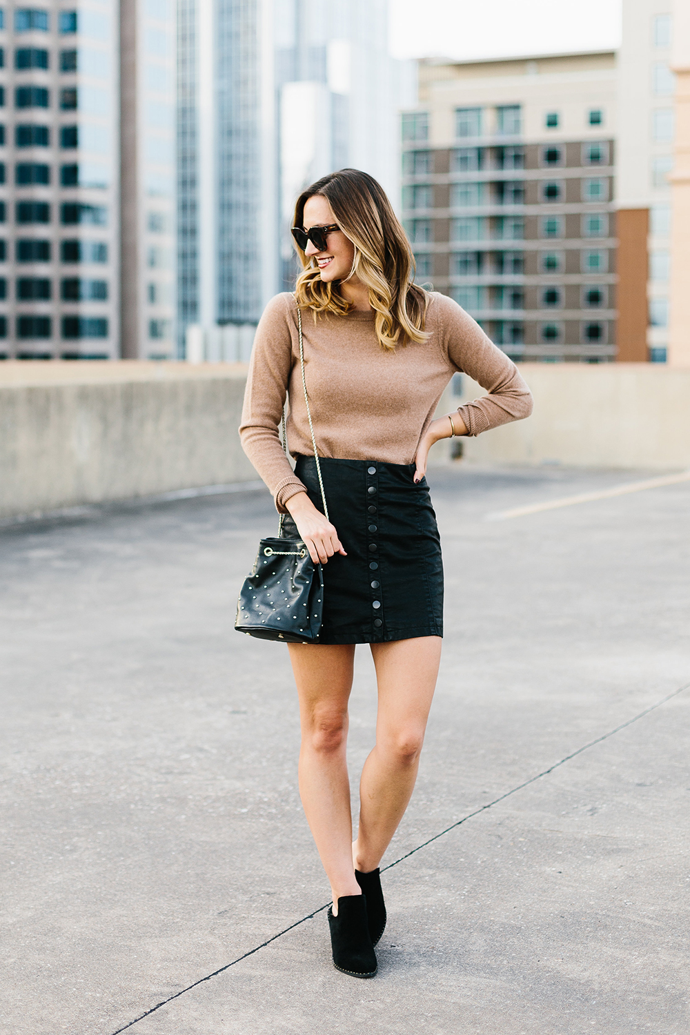 livvyland-blog-olivia-watson-free-people-vegan-leather-mini-skirt-cashmere-tan-sweater-sezane-studded-bucket-bag-3