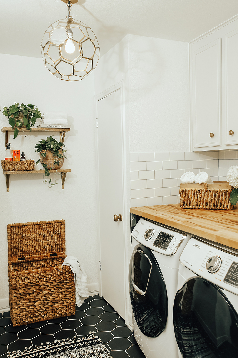 livvyland-blog-olivia-watson-home-decor-interior-design-before-after-laundry-room-makeover-renovation-update-1