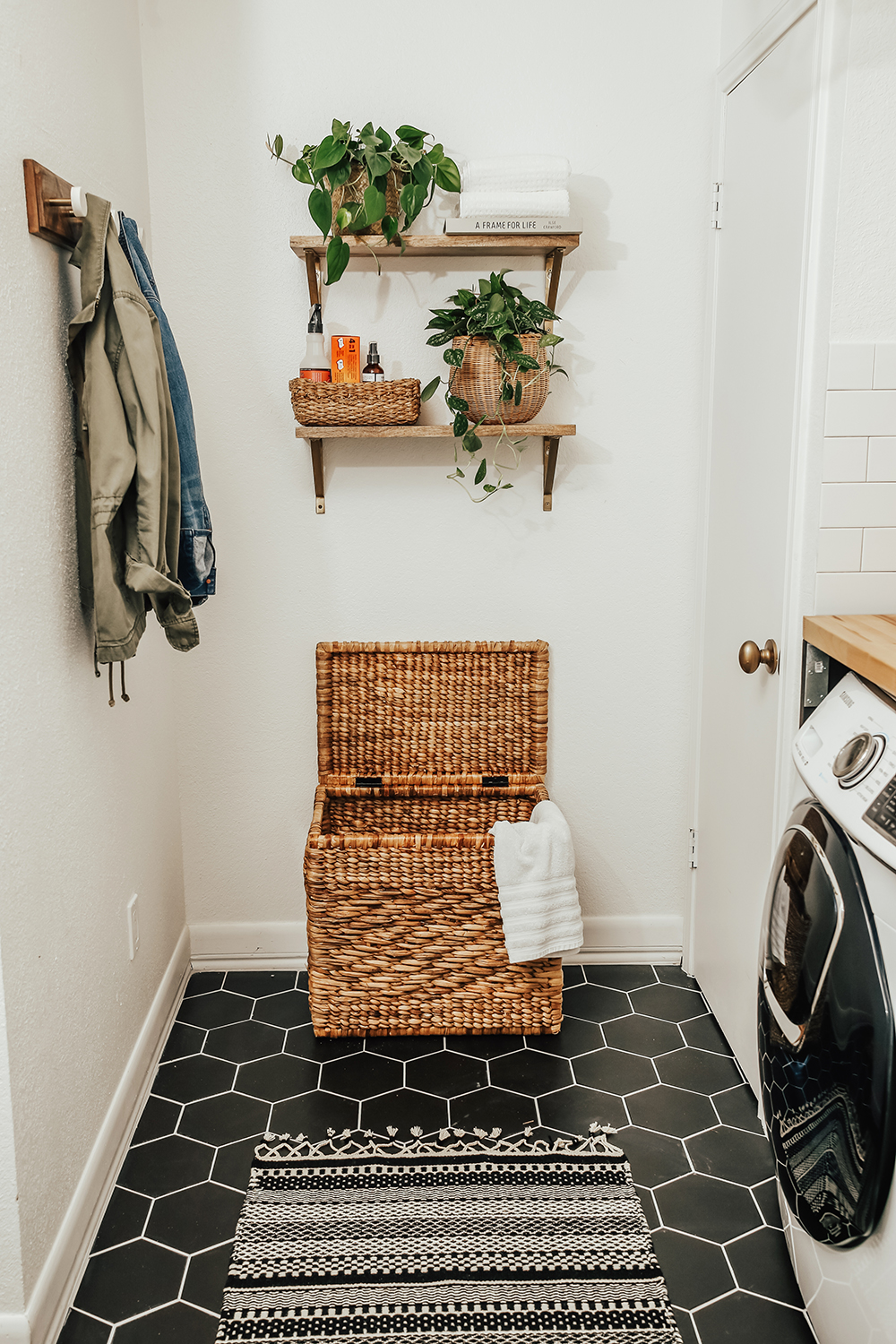 livvyland-blog-olivia-watson-home-decor-interior-design-before-after-laundry-room-makeover-renovation-update-11
