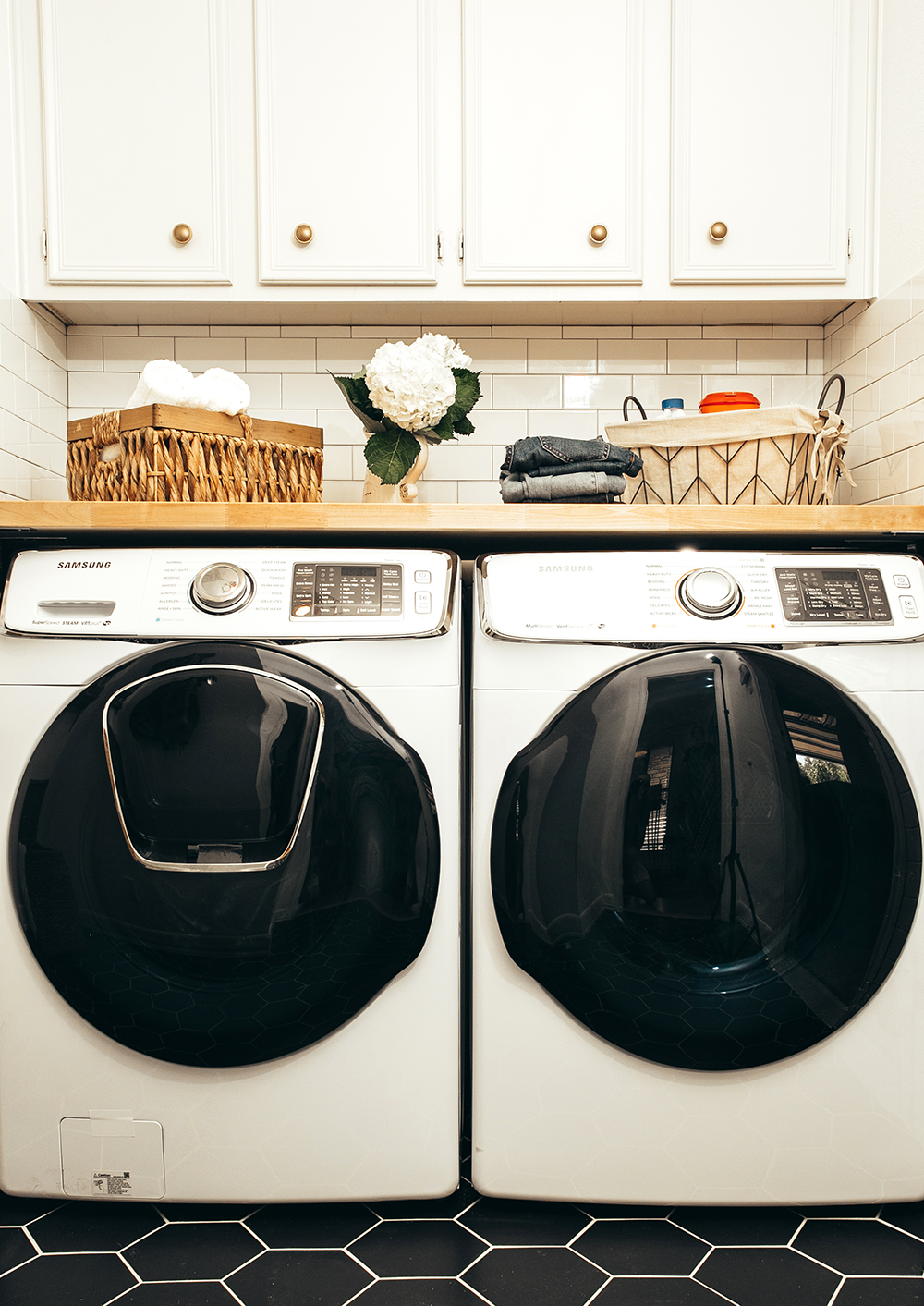 livvyland-blog-olivia-watson-home-decor-interior-design-before-after-laundry-room-makeover-renovation-update-3