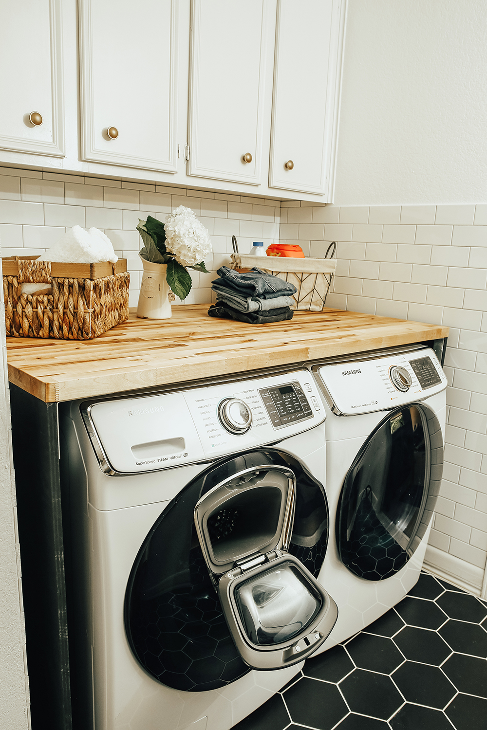 livvyland-blog-olivia-watson-home-decor-interior-design-before-after-laundry-room-makeover-renovation-update-5