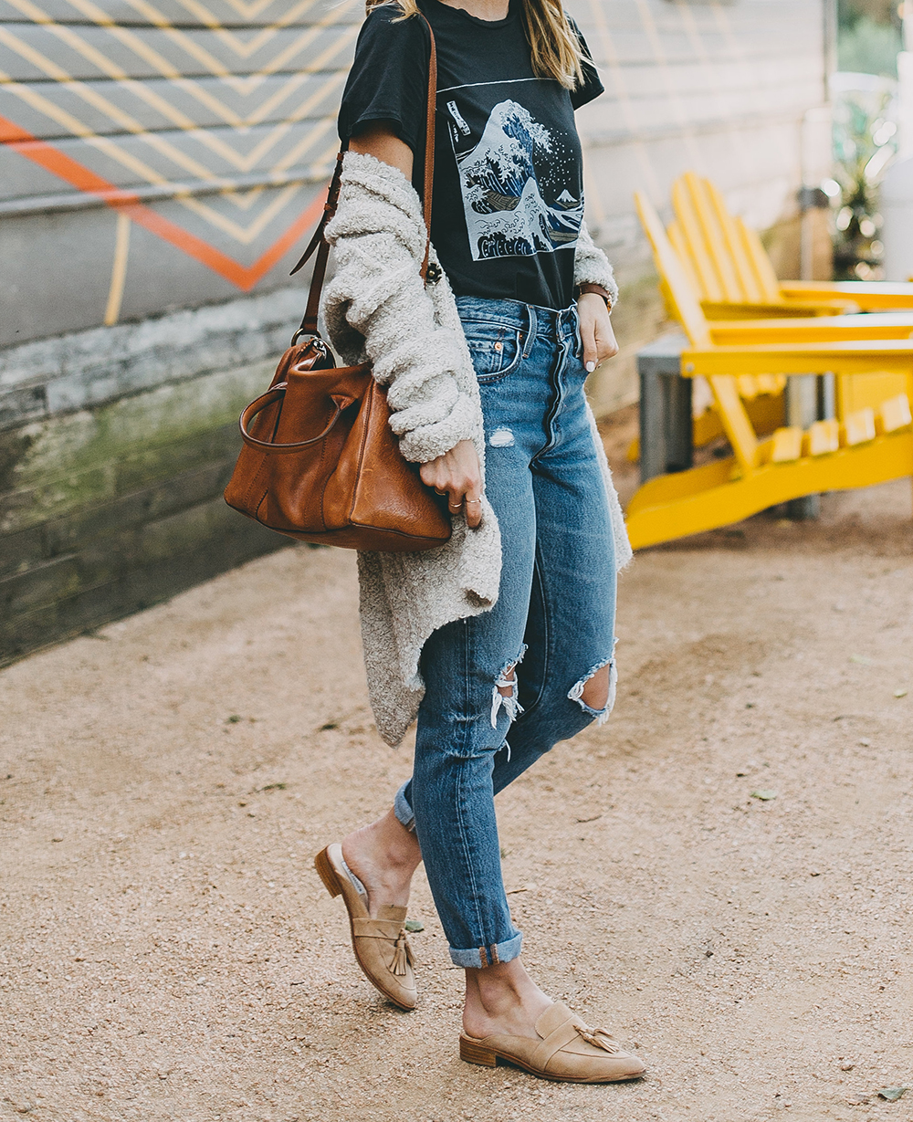 livvyland-blog-olivia-watson-toms-coffee-austin-texas-fashion-blogger-casual-fall-weekend-outfit-boucle-knit-cardigan-urban-outfitters-the-great-wave-art-10