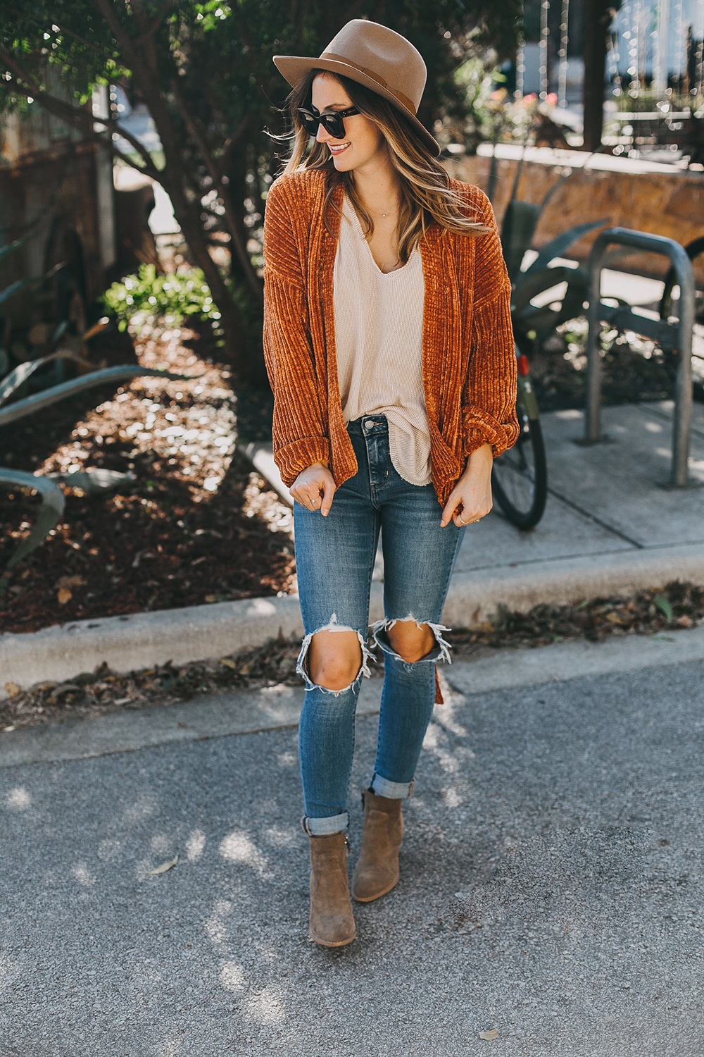livvyland-blog-olivia-watson-austin-texas-fashion-blogger-burnt-orange-chenille-cardigan-urban-outfitters-1-2
