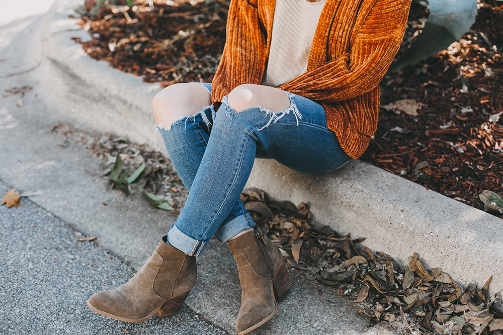 livvyland-blog-olivia-watson-austin-texas-fashion-blogger-burnt-orange-chenille-cardigan-urban-outfitters-3-2