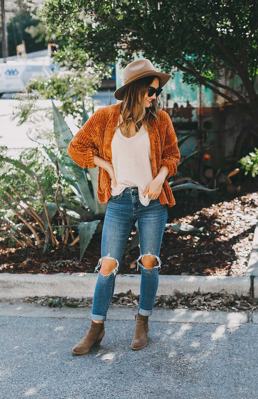 livvyland-blog-olivia-watson-austin-texas-fashion-blogger-burnt-orange-chenille-cardigan-urban-outfitters-4-2