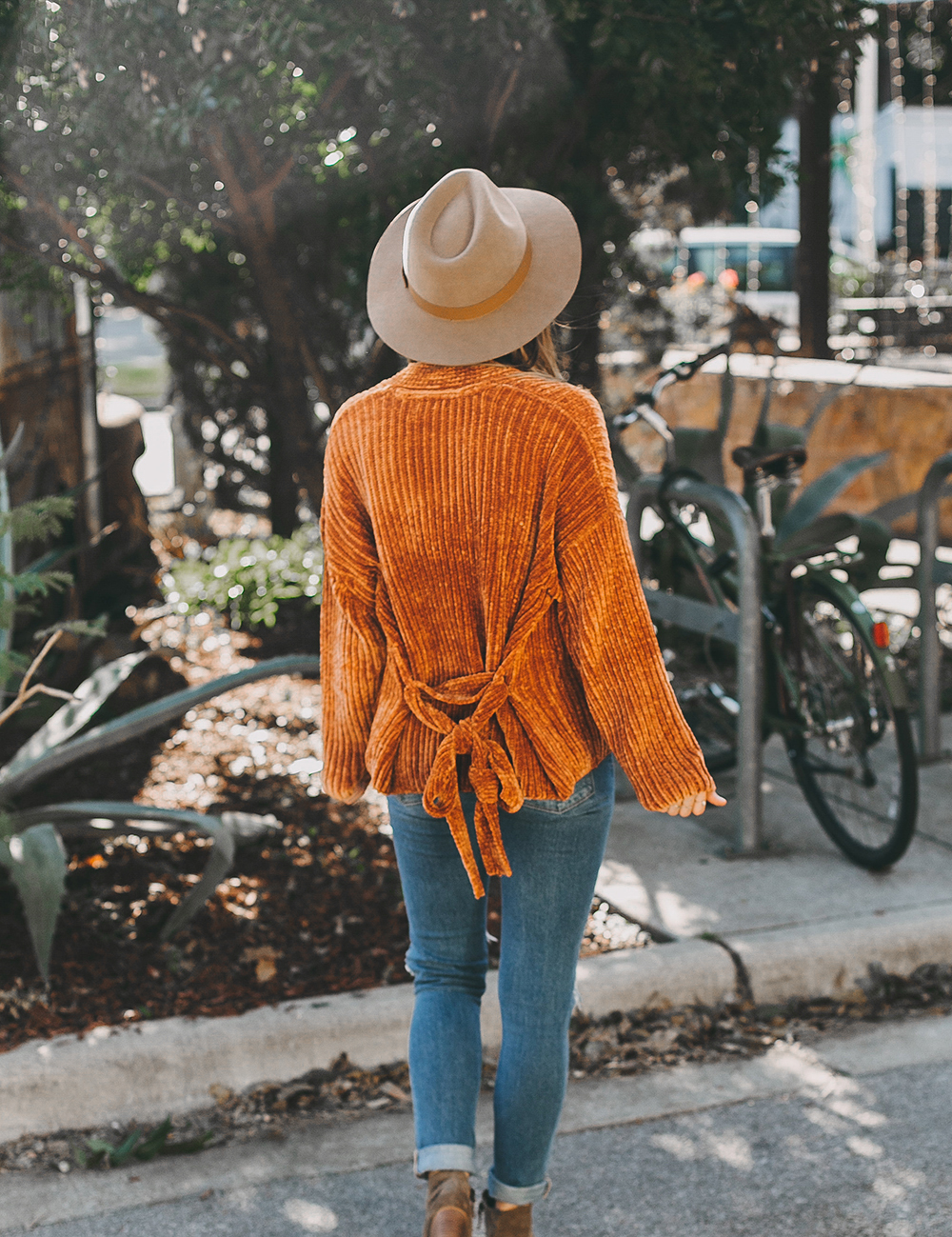 livvyland-blog-olivia-watson-austin-texas-fashion-blogger-burnt-orange-chenille-cardigan-urban-outfitters-5-2