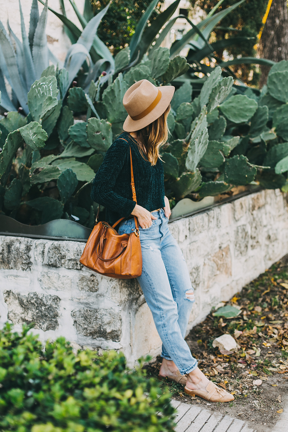livvyland-blog-olivia-watson-austin-texas-fashion-style-blogger-teal-cropped-sweater-tassel-slides-2