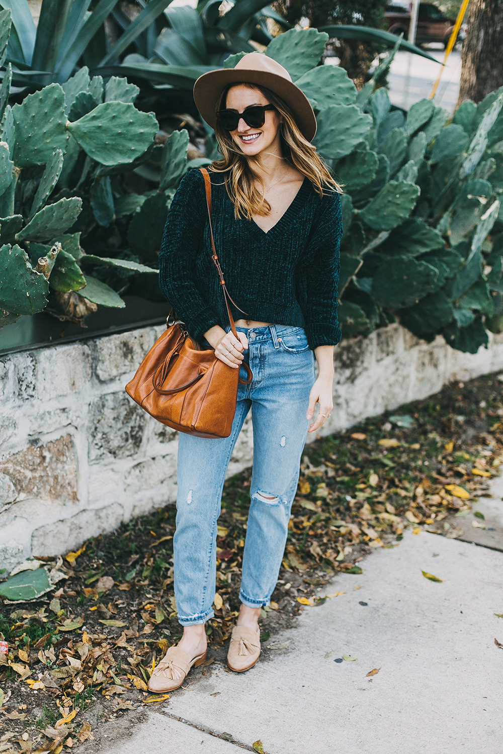livvyland-blog-olivia-watson-austin-texas-fashion-style-blogger-teal-cropped-sweater-tassel-slides-4