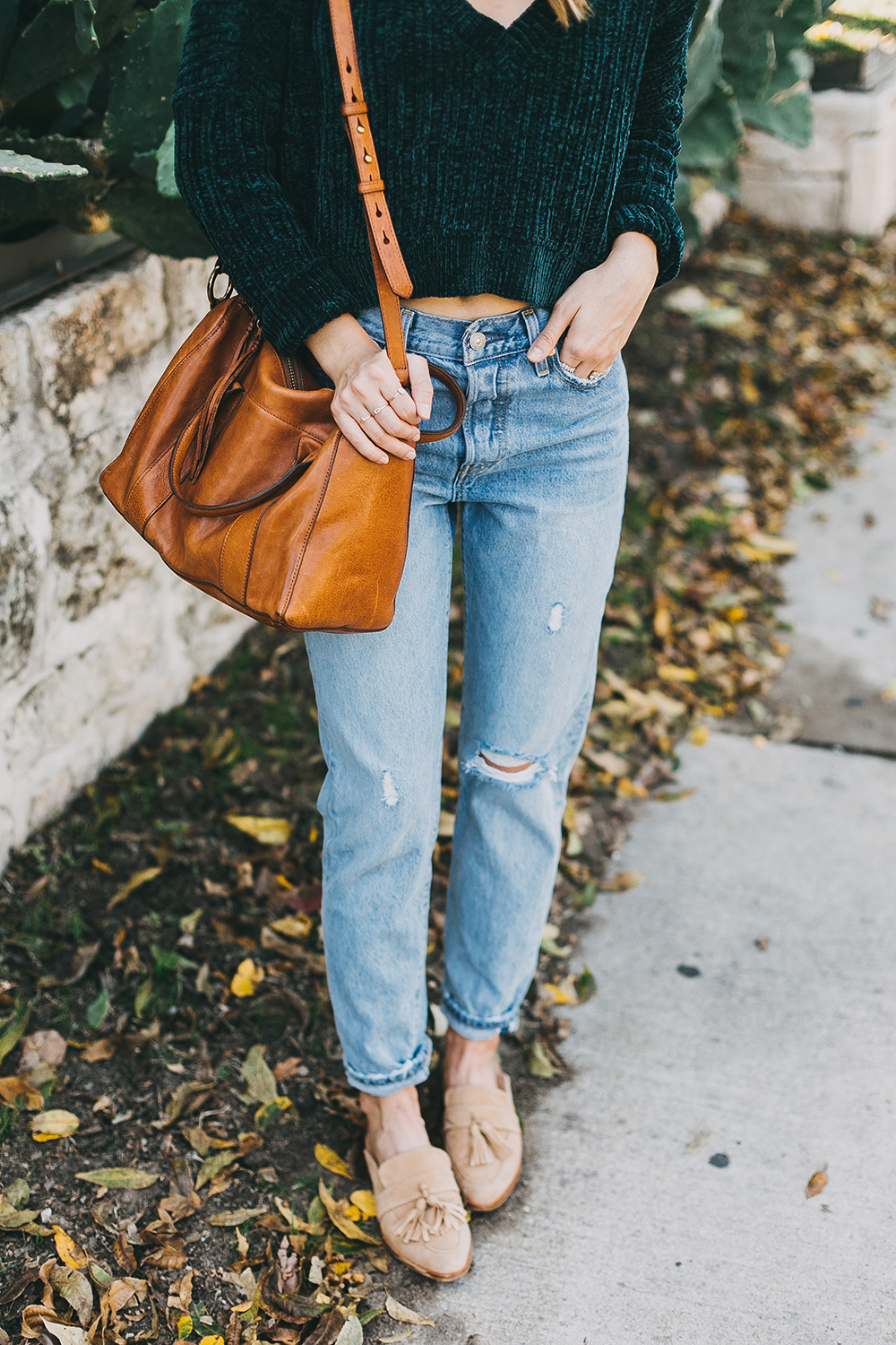 livvyland-blog-olivia-watson-austin-texas-fashion-style-blogger-teal-cropped-sweater-tassel-slides-5
