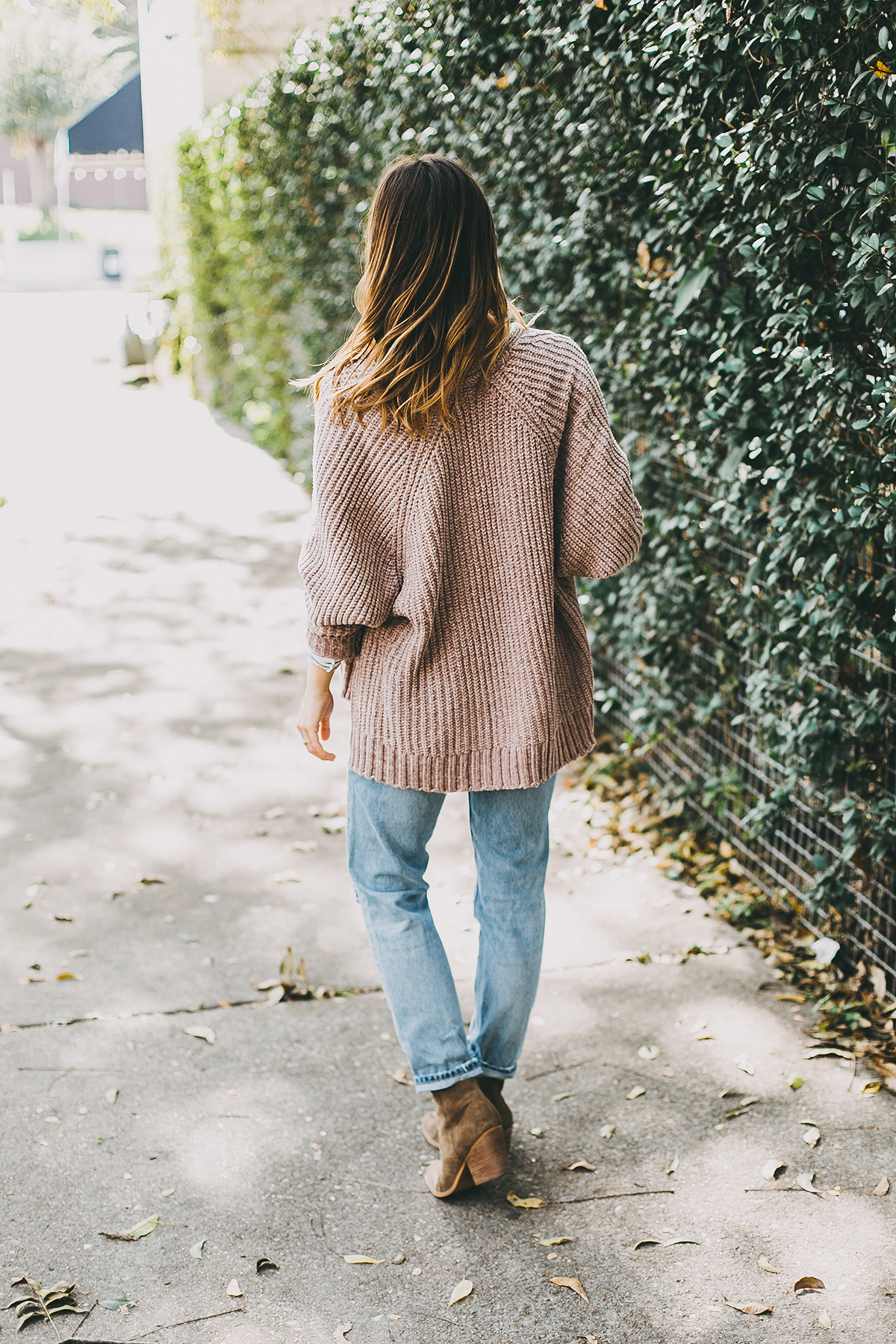 livvyland-blog-olivia-watson-barton-springs-road-chenille-blush-cardigan-stripes-fall-layers-coffee-date-outfit-idea-3