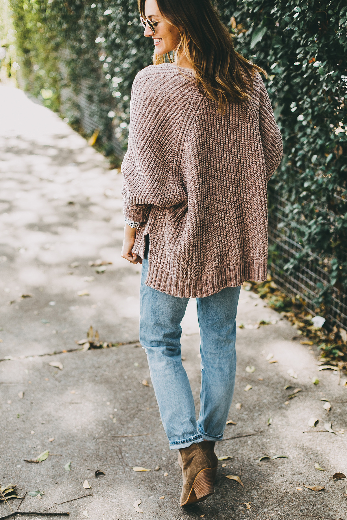 livvyland-blog-olivia-watson-barton-springs-road-chenille-blush-cardigan-stripes-fall-layers-coffee-date-outfit-idea-5