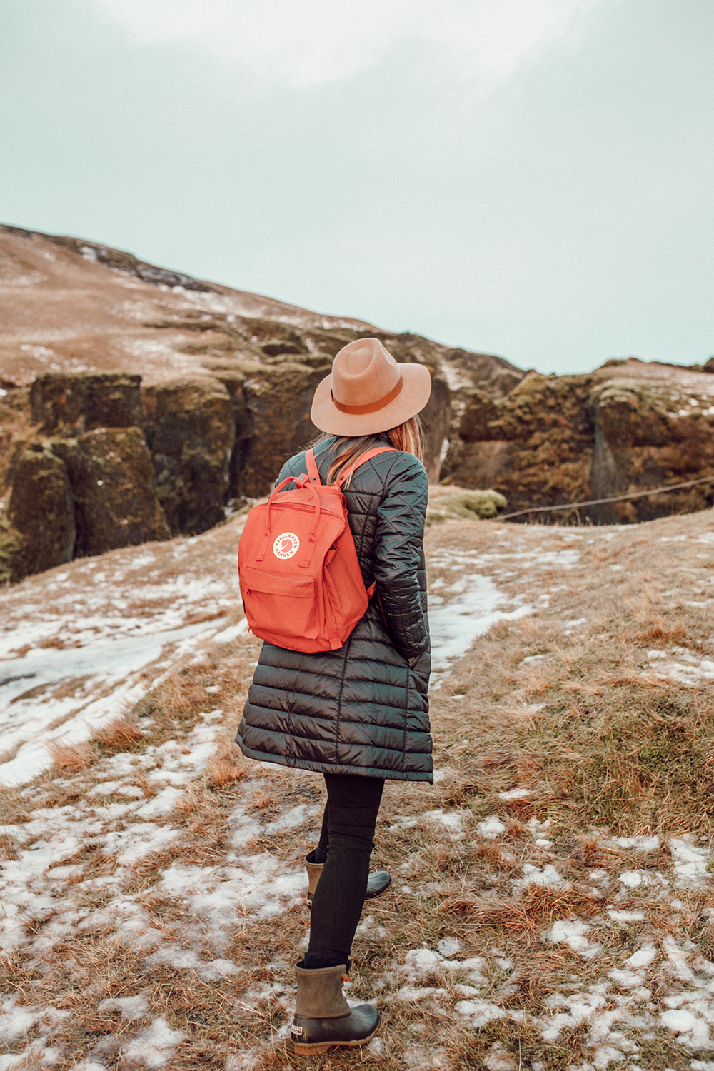 livvyland-blog-olivia-watson-patagonia-puffer-down-jacket-weather-proof-iceland-what-to-pack-backcountry-6
