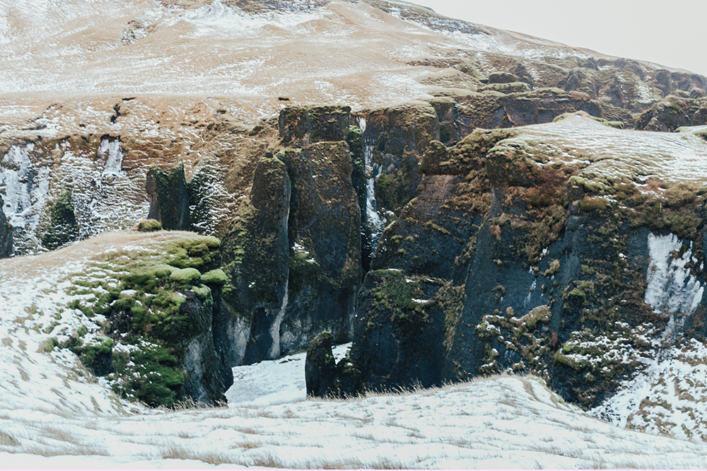 livvyland-blog-olivia-watson-patagonia-puffer-down-jacket-weather-proof-iceland-what-to-pack-backcountry-8