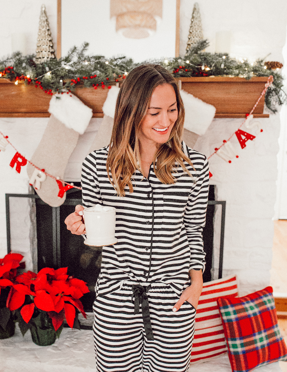 livvyland-blog-olivia-watson-ugg-slippers-cozy-morning-home-kate-spade-striped-pajamas-6