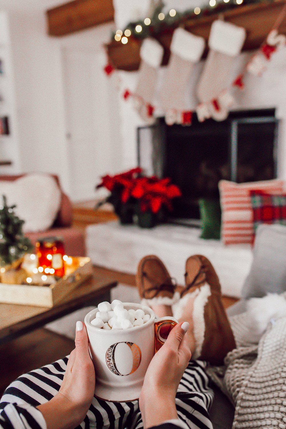 livvyland-blog-olivia-watson-ugg-slippers-cozy-morning-home-kate-spade-striped-pajamas-7