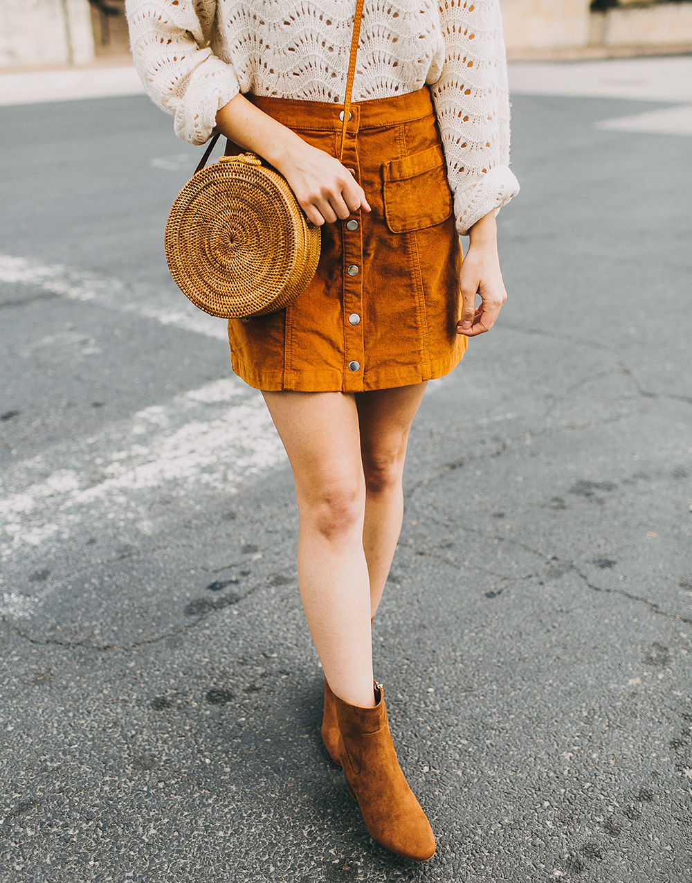 livvyland-blog-olivia-watson-austin-texas-fashion-style-blogger-burnt-orange-corduroy-skirt-bdg-a-line-outfit-2