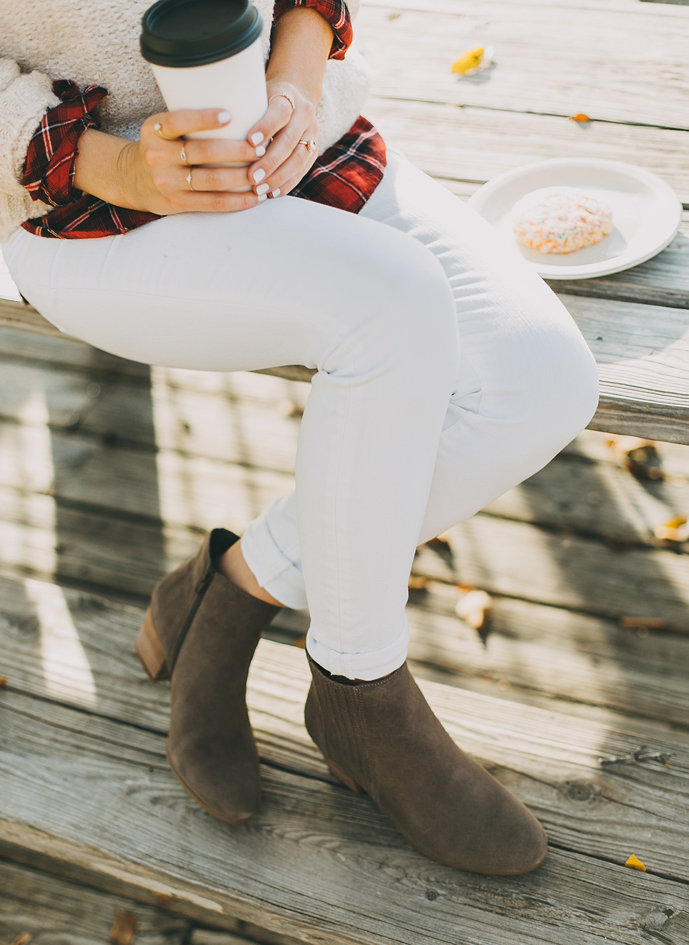 livvyland-blog-olivia-watson-austin-texas-fashion-style-blogger-knit-sweater-plaid-button-down-layer-white-jeans-mozarts-coffeehouse-1