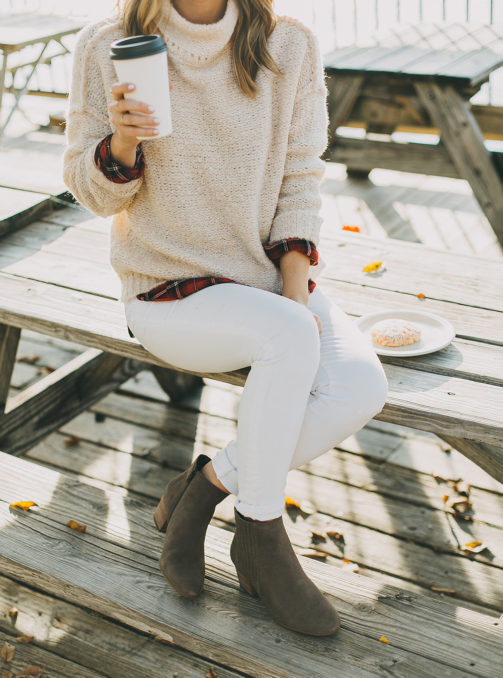 livvyland-blog-olivia-watson-austin-texas-fashion-style-blogger-knit-sweater-plaid-button-down-layer-white-jeans-mozarts-coffeehouse-2