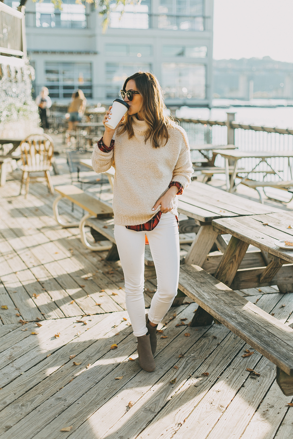 livvyland-blog-olivia-watson-austin-texas-fashion-style-blogger-knit-sweater-plaid-button-down-layer-white-jeans-mozarts-coffeehouse-6