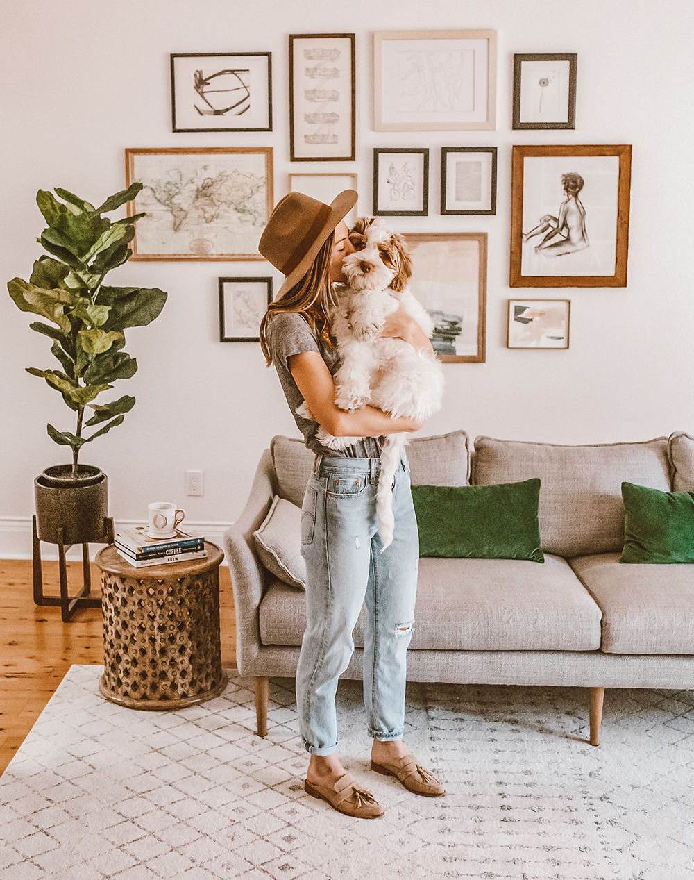 livvyland-blog-olivia-watson-home-decor-interiors-living-room-watson-aussie-doodle-puppy-levis-501-jeans