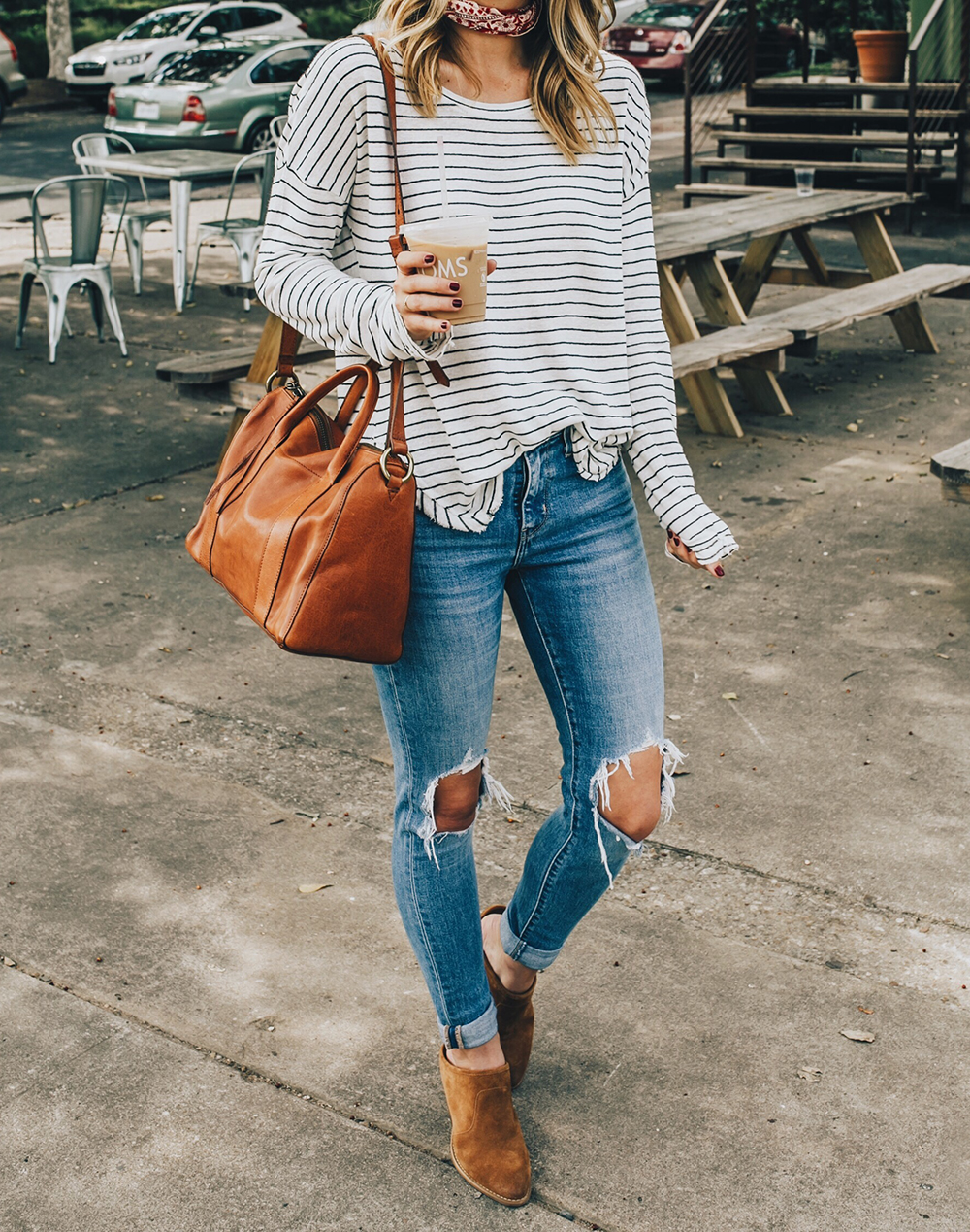 livvyland-blog-olivia-watson-levis-721-distressed-jeans-striped-tee-tan-suede-mules-austin-texas-fashion-blogger
