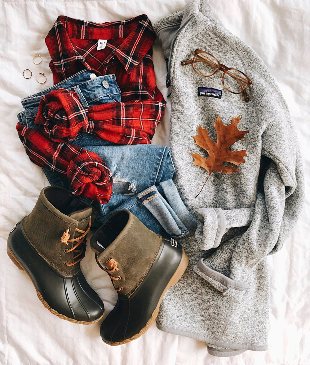 livvyland-blog-olivia-watson-patagonia-never-better-fleece-pullover-duck-boots-plaid-button-up-winter-outfit