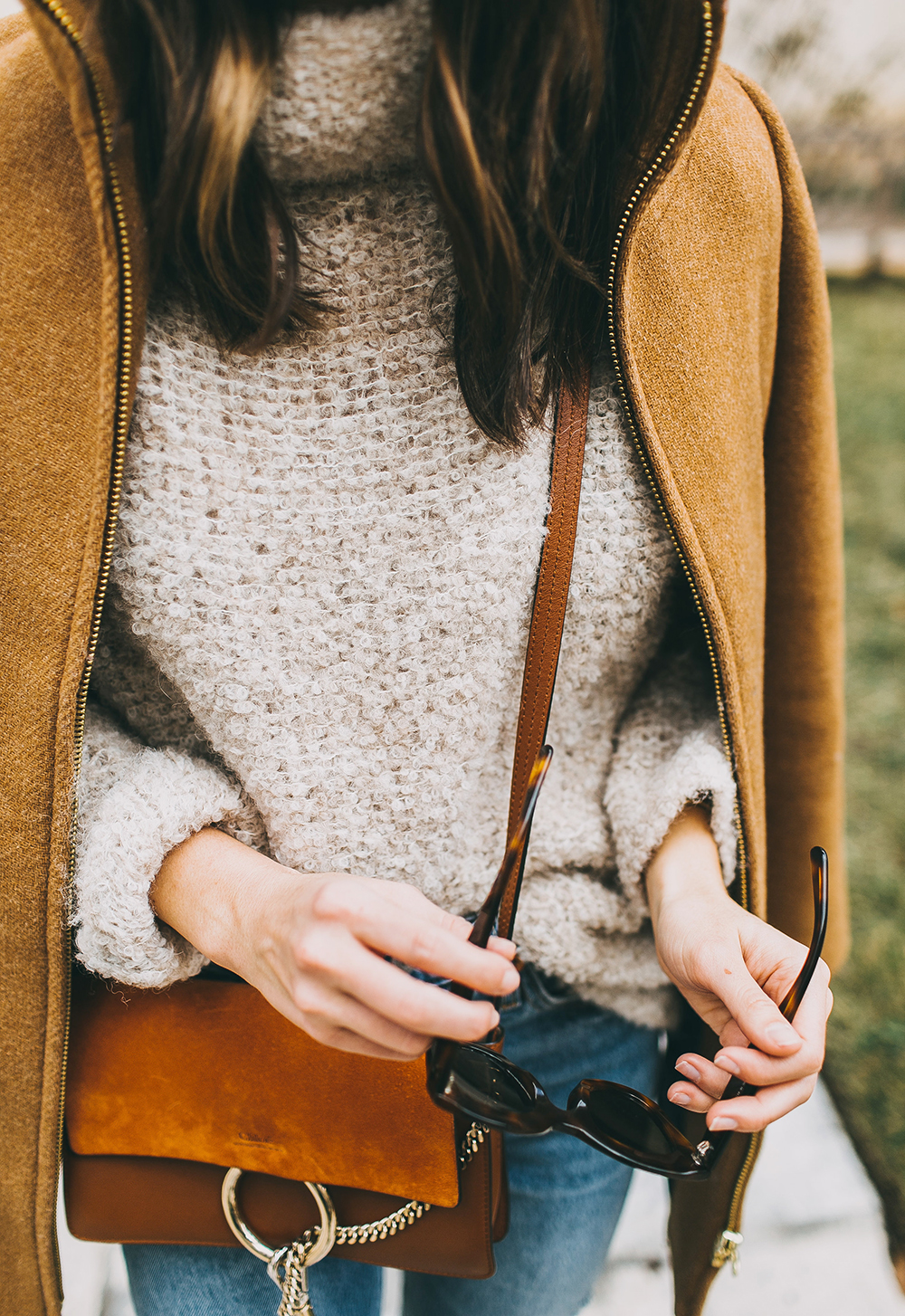 livvyland-blog-olivia-watson-austin-texas-fashion-style-blogger-free-people-oatmeal-knit-sweater-j-crew-camel-coat-chloe-faye-tobacco-handbag-1