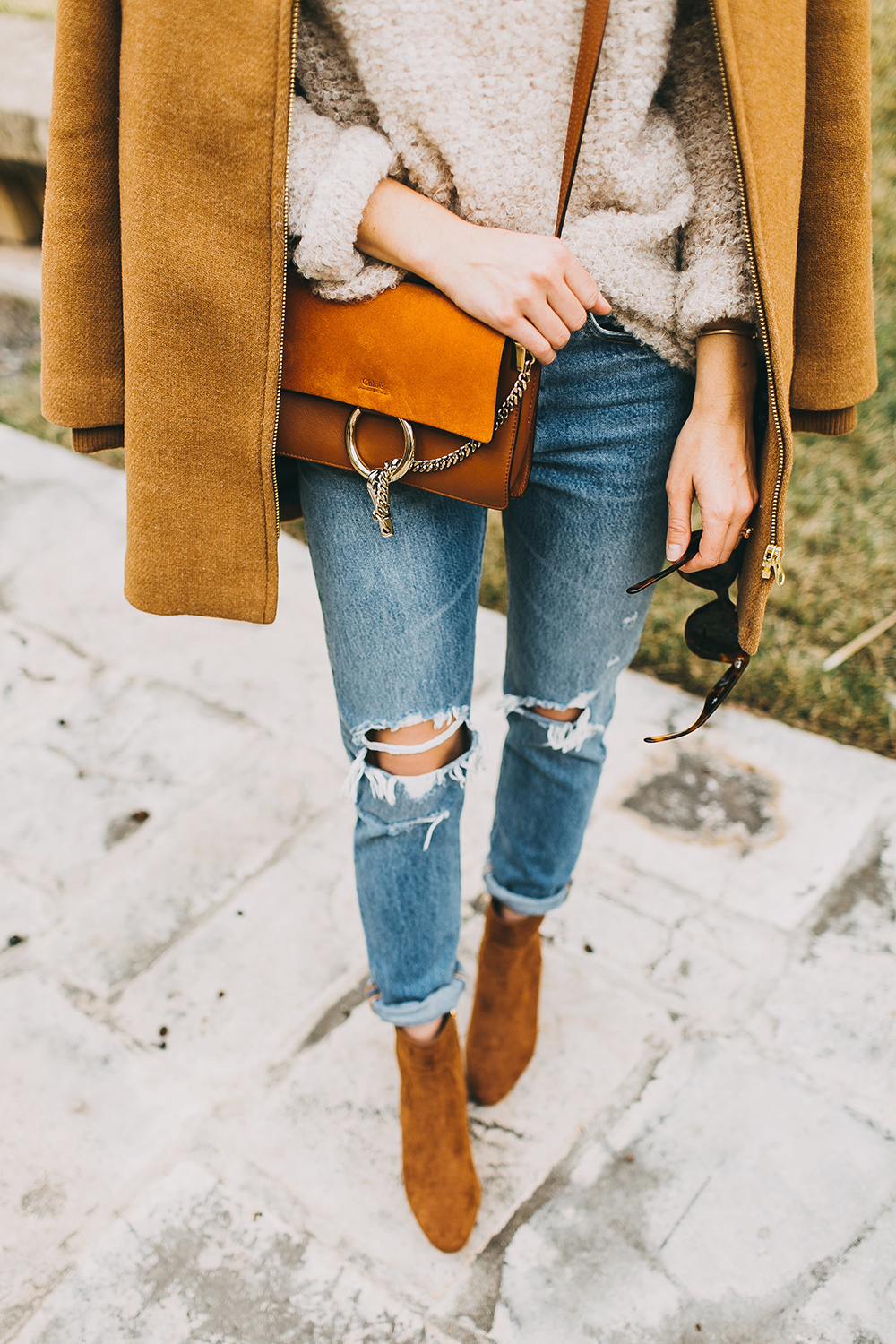 livvyland-blog-olivia-watson-austin-texas-fashion-style-blogger-free-people-oatmeal-knit-sweater-j-crew-camel-coat-chloe-faye-tobacco-handbag-5