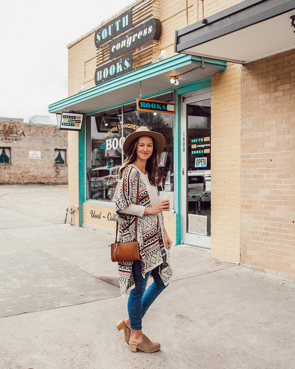 livvyland-blog-olivia-watson-austin-texas-fashion-style-blogger-south-congress-avenue-sole-society-taupe-clogs-boho-outfit-idea-5