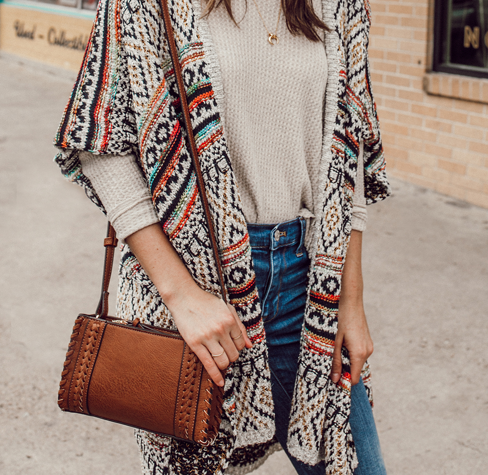 livvyland-blog-olivia-watson-austin-texas-fashion-style-blogger-south-congress-avenue-sole-society-taupe-clogs-boho-outfit-idea-8