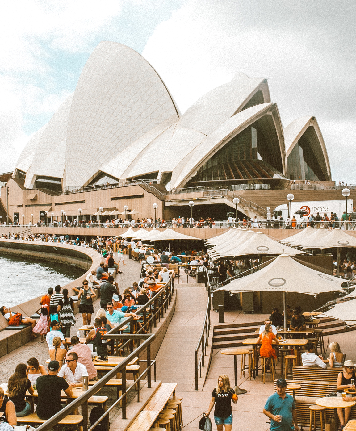 livvyland-blog-olivia-watson-austin-texas-fashion-travel-lifestyle-blogger-sydney-melbourne-australia-opera-house-bar-2