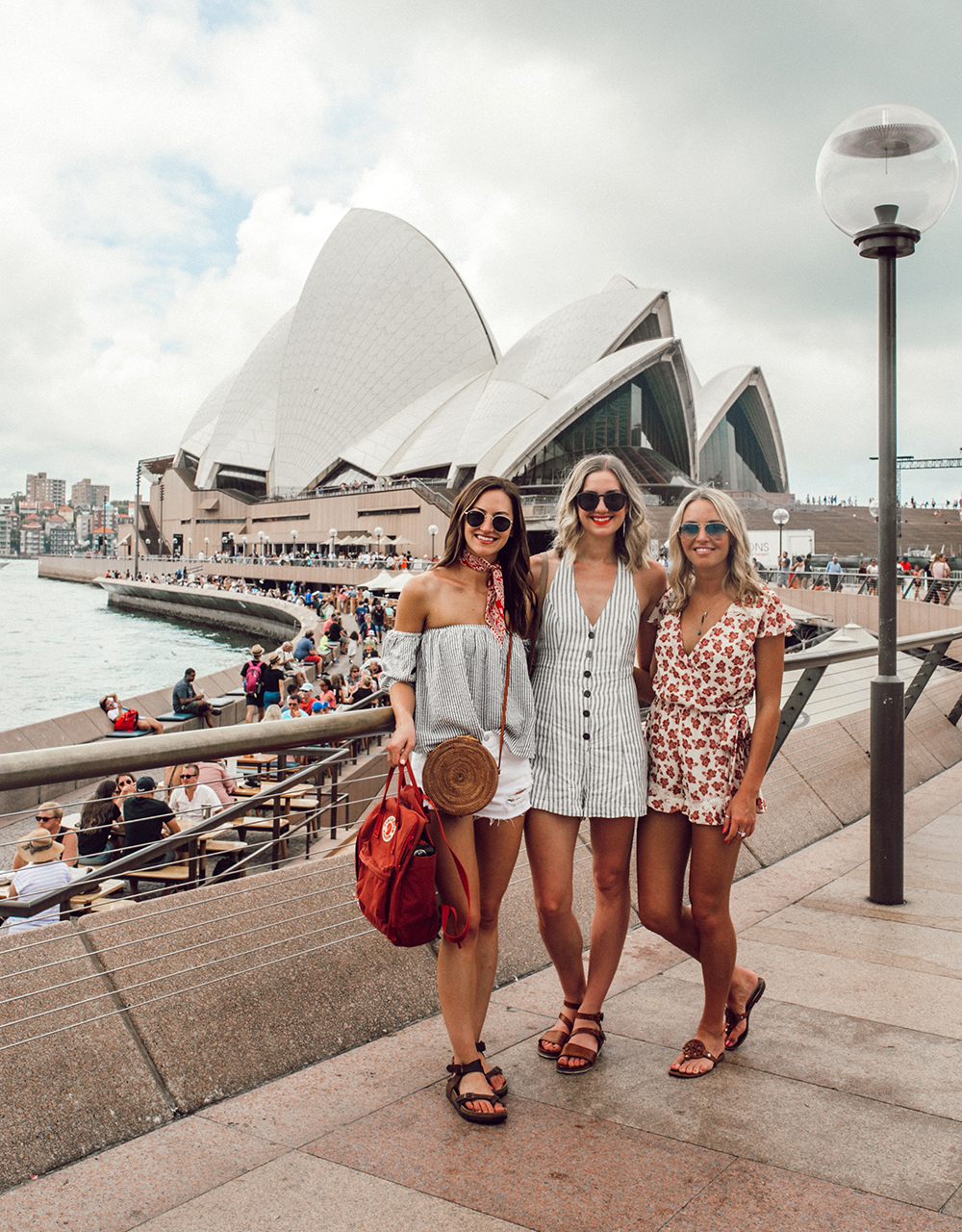 livvyland-blog-olivia-watson-austin-texas-fashion-travel-lifestyle-blogger-sydney-melbourne-australia-opera-house-bar-girl-friends-1