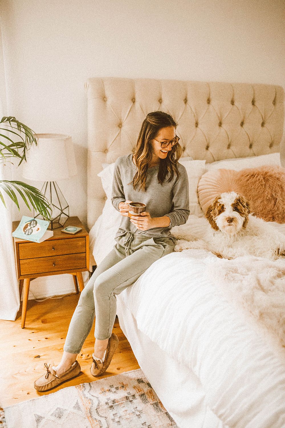 livvyland-blog-olivia-watson-lou-and-grey-best-loungewear-cozy-joggers-stripe-sweatshirt-coffee-bed-bedroom-10