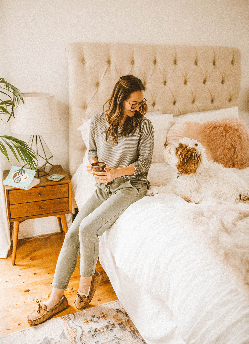 livvyland-blog-olivia-watson-lou-and-grey-best-loungewear-cozy-joggers-stripe-sweatshirt-coffee-bed-bedroom-7