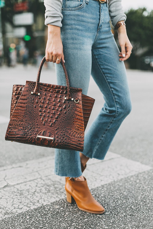 livvyland-blog-olivia-watson-south-congress-avenue-austin-texas-fashion-life-style-blogger-bdg-high-waist-crop-flare-jeans-1