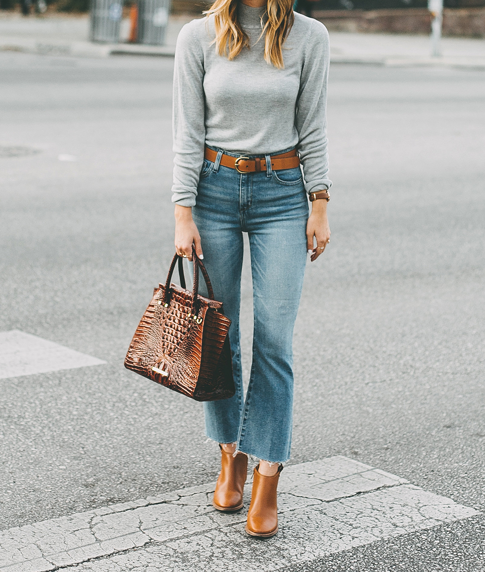 livvyland-blog-olivia-watson-south-congress-avenue-austin-texas-fashion-life-style-blogger-bdg-high-waist-crop-flare-jeans-6