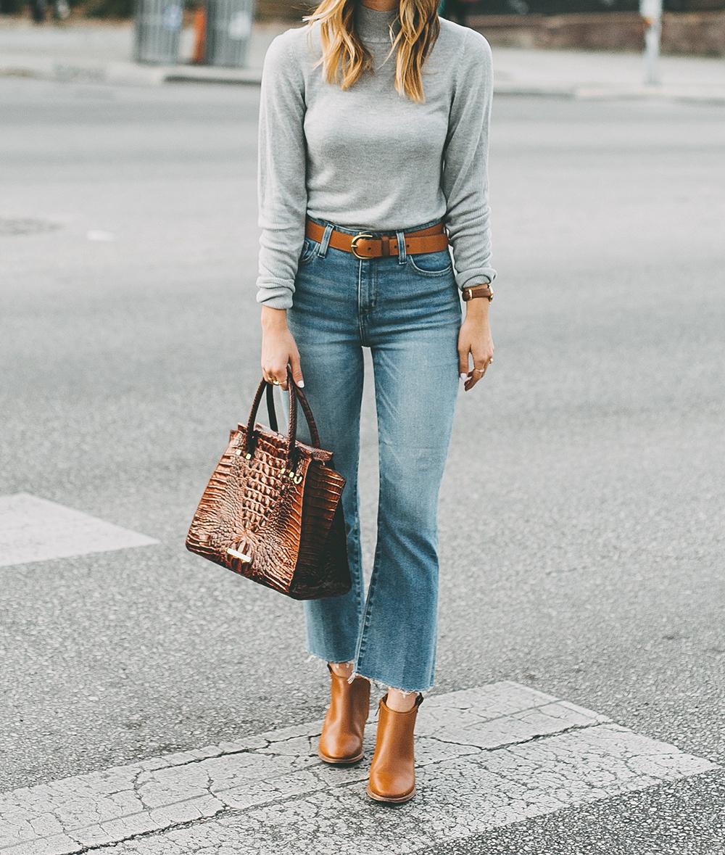 livvyland-blog-olivia-watson-south-congress-avenue-austin-texas-fashion-life-style-blogger-bdg-high-waist-crop-flare-jeans-6