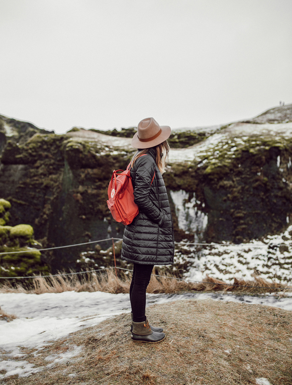 livvyland-blog-olivia-watson-travel-lifestyle-blogger-iceland-road-trip-what-to-do-pack-reykjavik-noken-travel-guide-Fjaðrárgljúfur-canyon-Kånken-Backpack-3