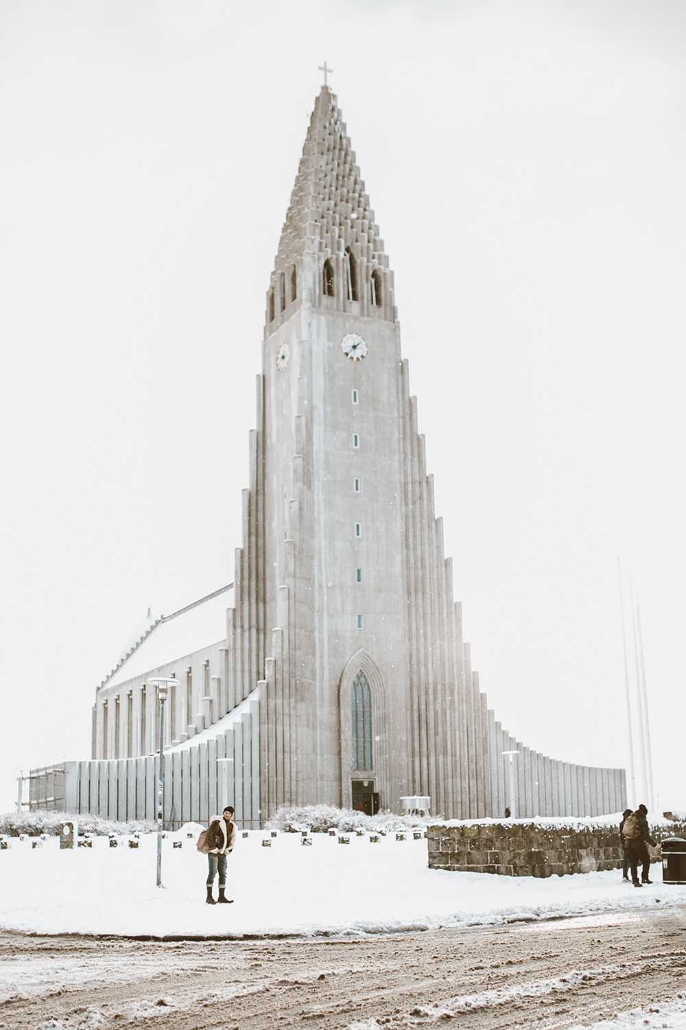 livvyland-blog-olivia-watson-travel-lifestyle-blogger-iceland-road-trip-what-to-do-pack-reykjavik-noken-travel-guide-Hallgrimskirkja-church