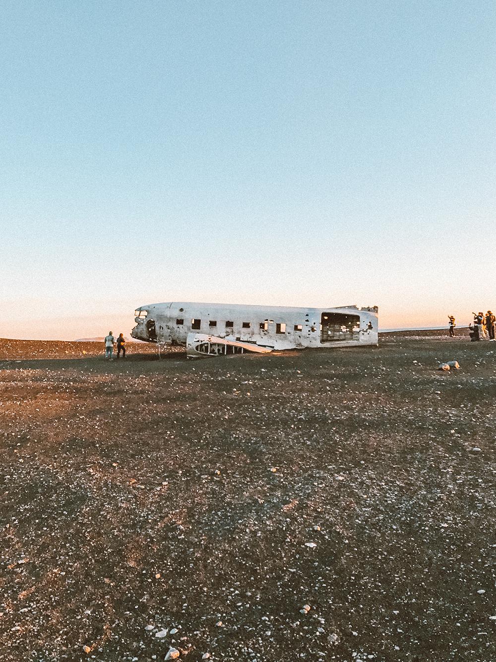 livvyland-blog-olivia-watson-travel-lifestyle-blogger-iceland-road-trip-what-to-do-pack-reykjavik-noken-travel-guide-glacier-hike-plane-crash-2