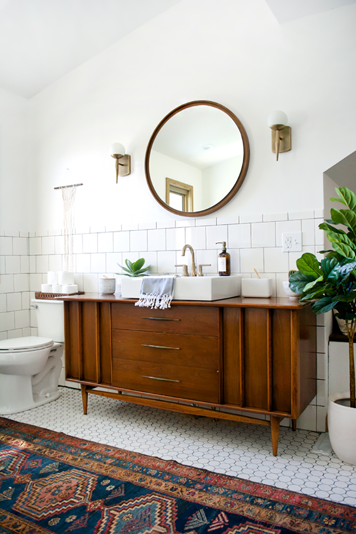 Design Crush: Brushed Gold Bathroom Fixtures