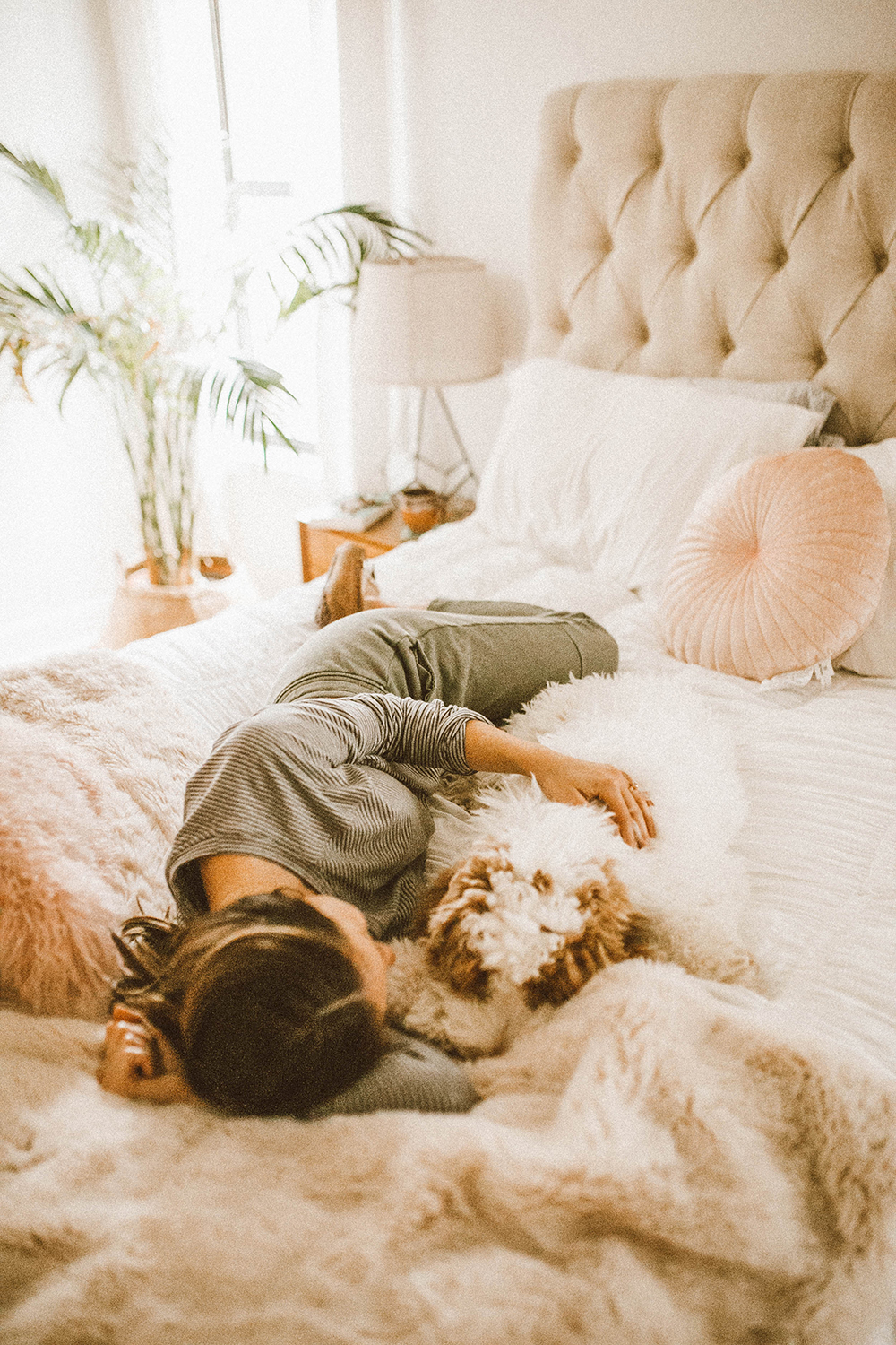 livvyland-blog-olivia-watson-lou-and-grey-loungewear-cozy-home-bed-coffee-dog