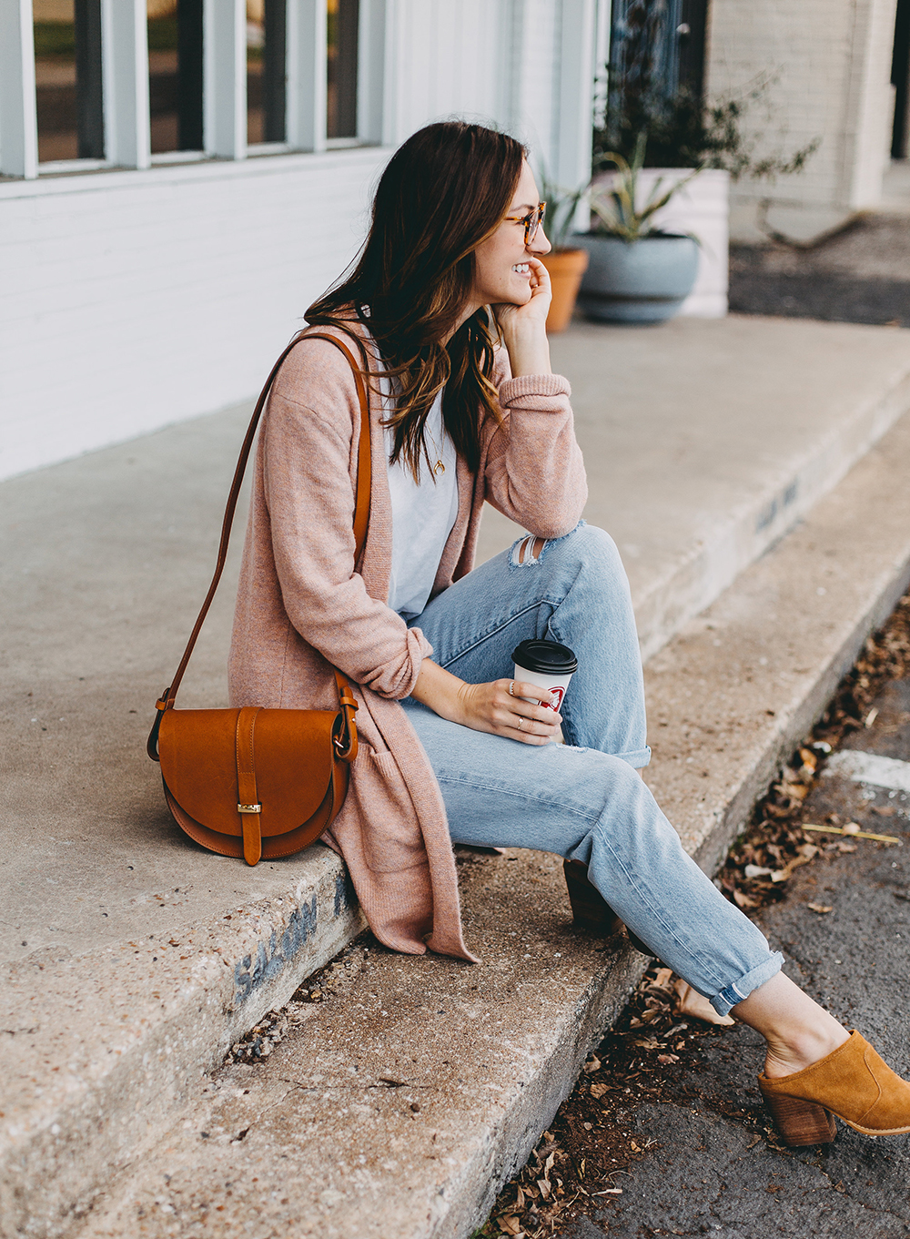 livvyland-blog-olivia-watson-austin-texas-fashion-blogger-spring-transition-wardrobe-pieces-madewell-blush-cardigan-tan-mules-4