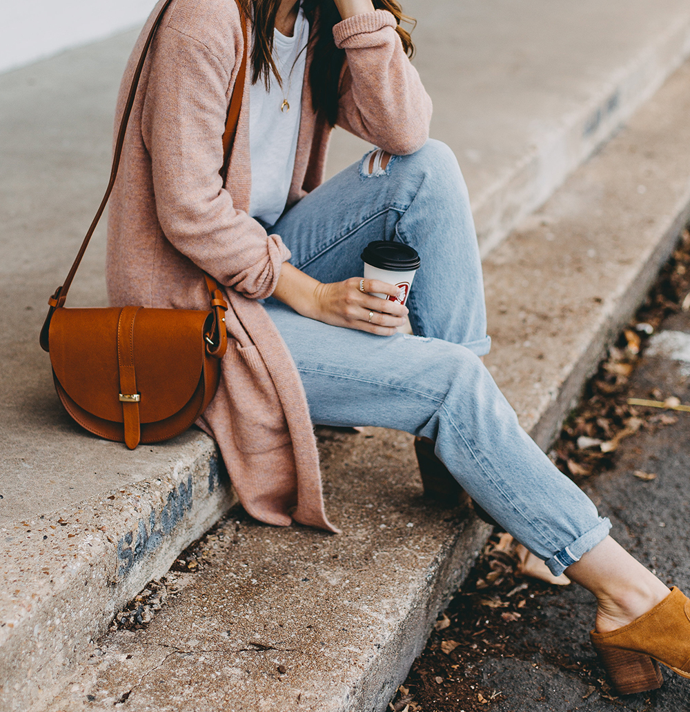 livvyland-blog-olivia-watson-austin-texas-fashion-blogger-spring-transition-wardrobe-pieces-madewell-blush-cardigan-tan-mules-6