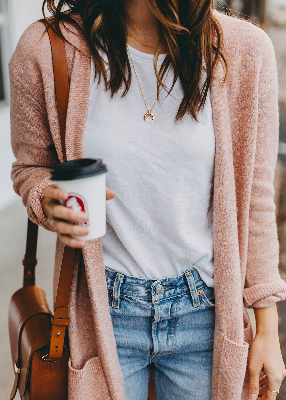 livvyland-blog-olivia-watson-austin-texas-fashion-blogger-spring-transition-wardrobe-pieces-madewell-blush-cardigan-tan-mules-7