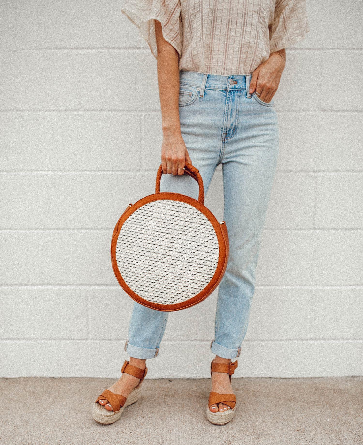 livvyland-blog-olivia-watson-sole-society-espadrille-wedges-round-straw-handbag-1