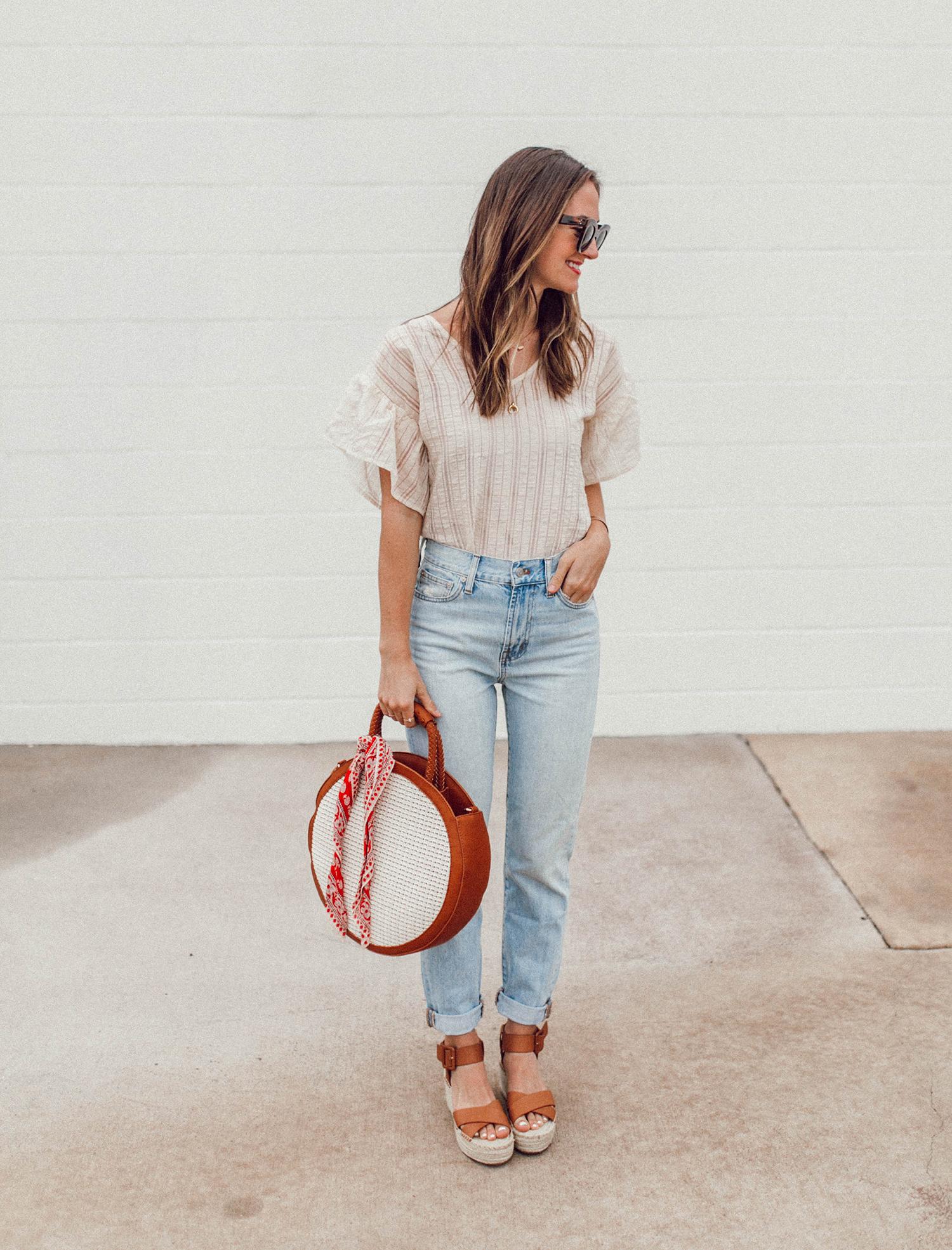 livvyland-blog-olivia-watson-sole-society-espadrille-wedges-round-straw-handbag-5